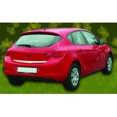 Opel Astra J 5D (2010-) Кромка крышки багажника нижняя