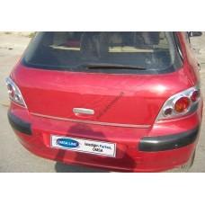 Peugeot 307 5D (2001-2008) Кромка крышки багажника нижняя
