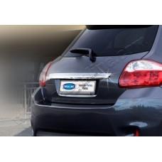 Toyota Auris (2007-2010) Накладка над номером на багажник
