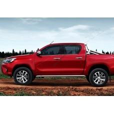 Toyota Hilux (2015-) Молдинги стекол нижние 4шт