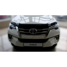 Дефлектор капота (мухобойка) Toyota Fortuner 2015-