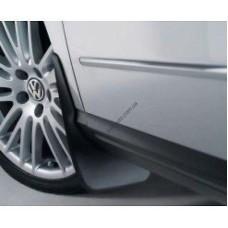 Брызговики Volkswagen Scirocco 2008- передн. 2шт (1K8075111)